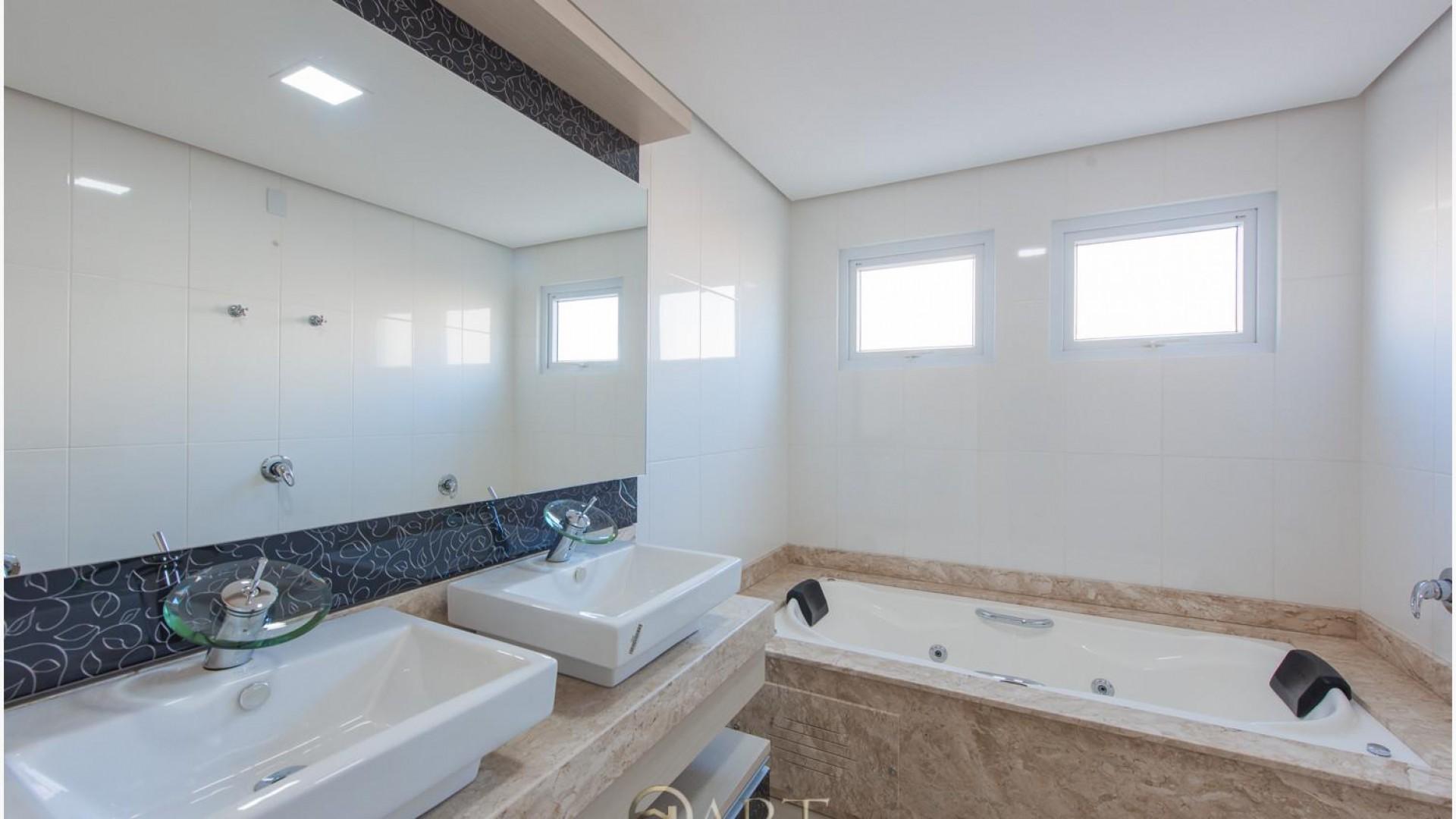 Apartamento com 3 suítes abastecido com Água Termal em Termas do Gravatal - Foto 9 Lavabo