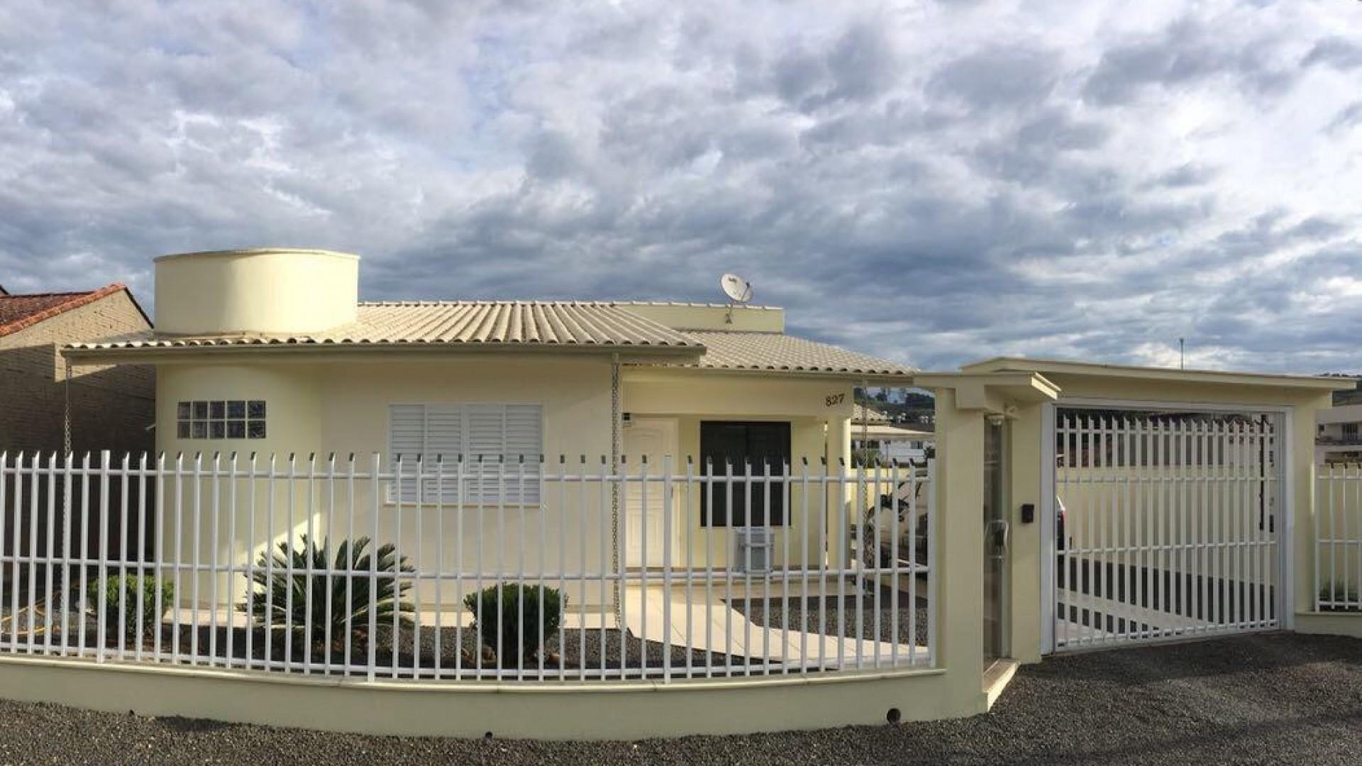 Ótima casa de alvenaria - São Ludgero