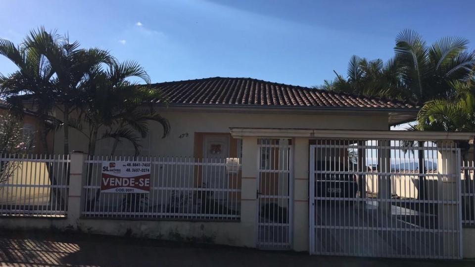 Casa de alvenaria contendo 3 dormitórios em São Ludgero  - Foto 1