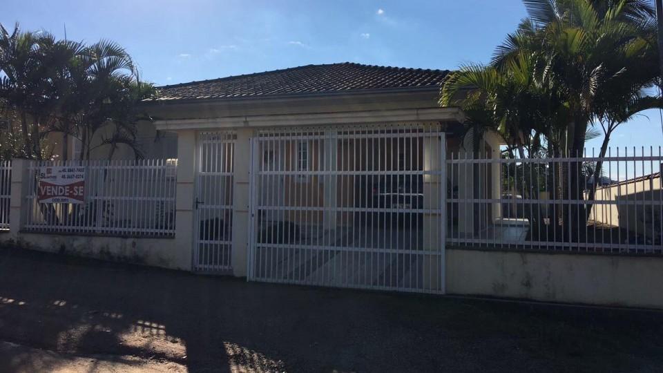 Casa de alvenaria contendo 3 dormitórios em São Ludgero  - Foto 2