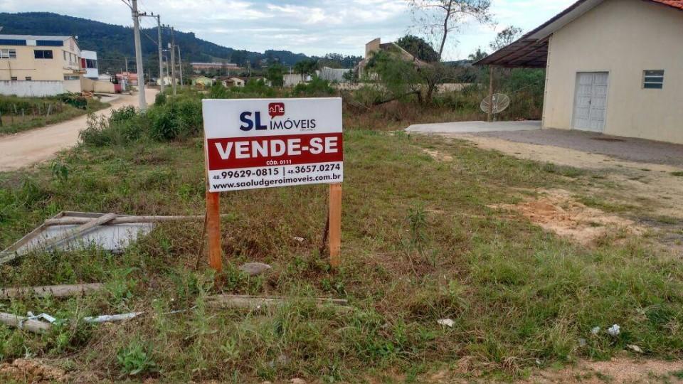Lote de esquina em Grão Pará