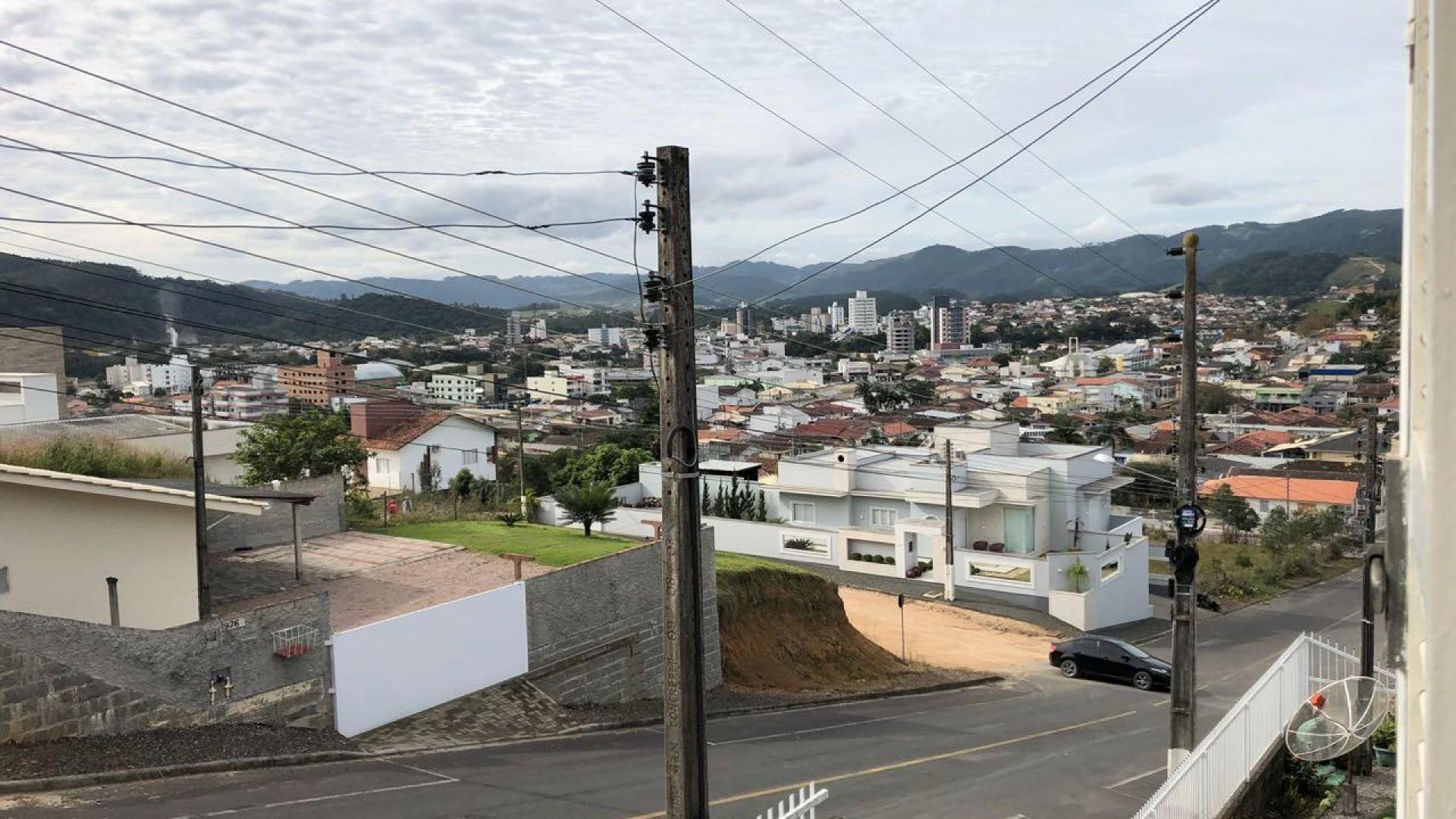 Excelente casa de dois pavimentos em São Ludgero - Foto 5