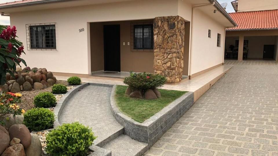 Casa 3 dormitórios - São Ludgero
