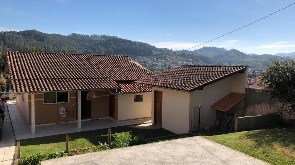 Casa de alvenaria com amplo terreno - VENDIDA - Foto 4
