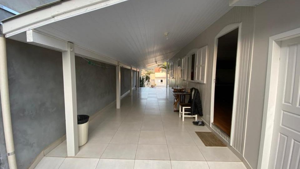 Casa mista bairro Madre Tereza - Foto 1